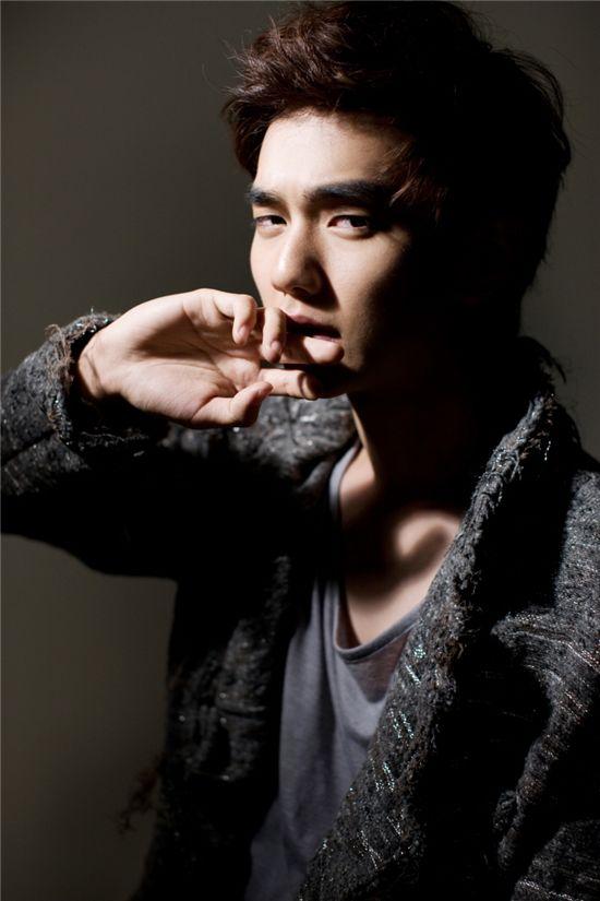 http://kdramachoa.com/wp-content/uploads/2011/04/20110430-Yoo-Seung-ho.jpg