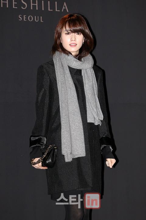 http://kdramachoa.com/wp-content/uploads/2011/12/20111221-Han-Hyo-Joo.jpg