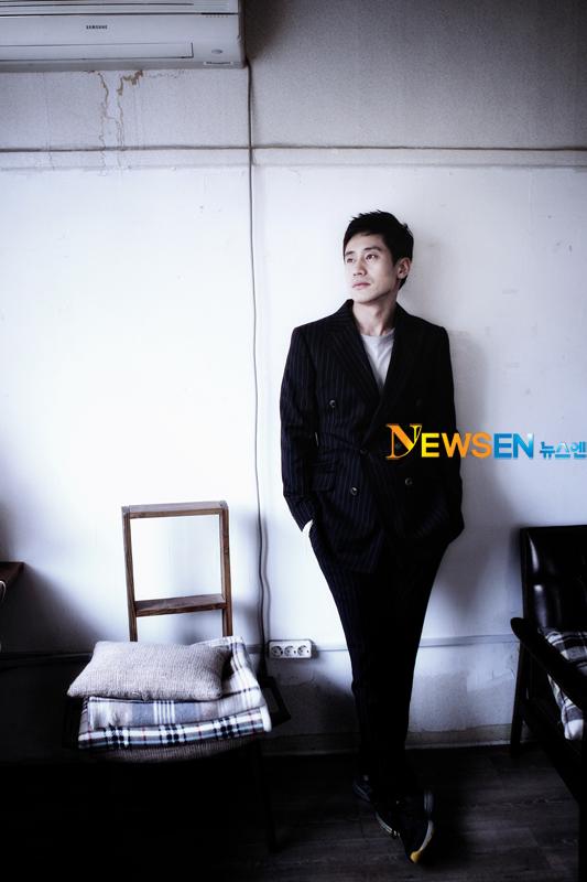 http://kdramachoa.com/wp-content/uploads/2012/01/20120125-Shin-Ha-Kyun_4.jpg
