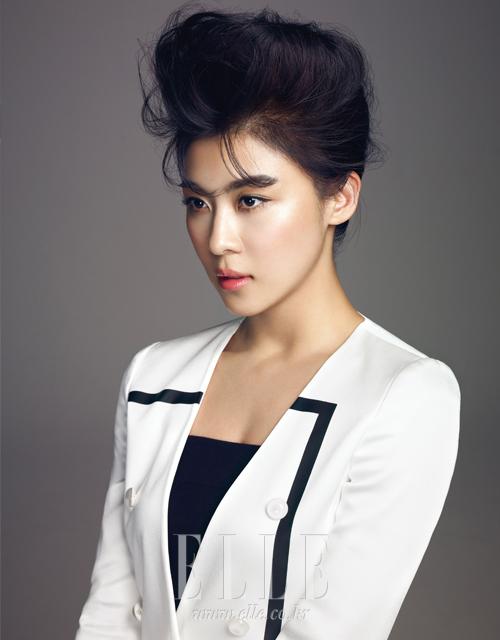 http://kdramachoa.com/wp-content/uploads/2012/03/20120320-Ha-Ji-Won_4.jpg
