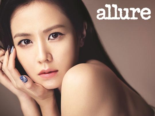 Son Ye Jin Allure İçin Melankolik Güzelliğini Gösterdi /// 29 Eylül 2012