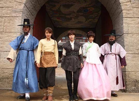 20121222-Three Beauties of Joseon